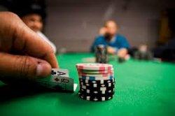 Наставник для обучения игры в покер